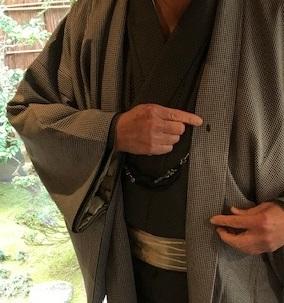 新年会最終・黒八丈に吉野間道の帯のご主人様。_f0181251_17410322.jpg