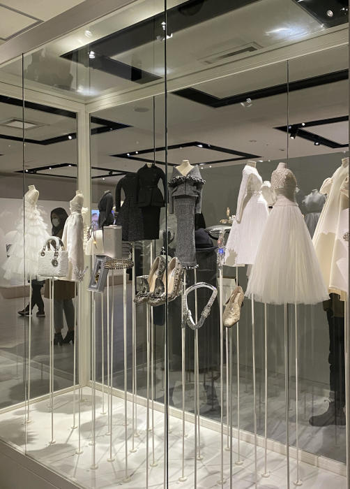 DIOR FROM PARIS TO JAPAN展☆_b0114367_09285956.jpg