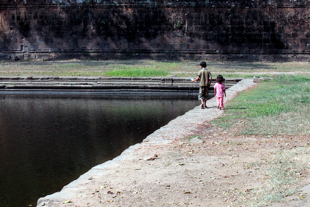 兄妹 Sras Srei Angkor Thom -Siem Reap-2012-_d0011713_14031658.jpg