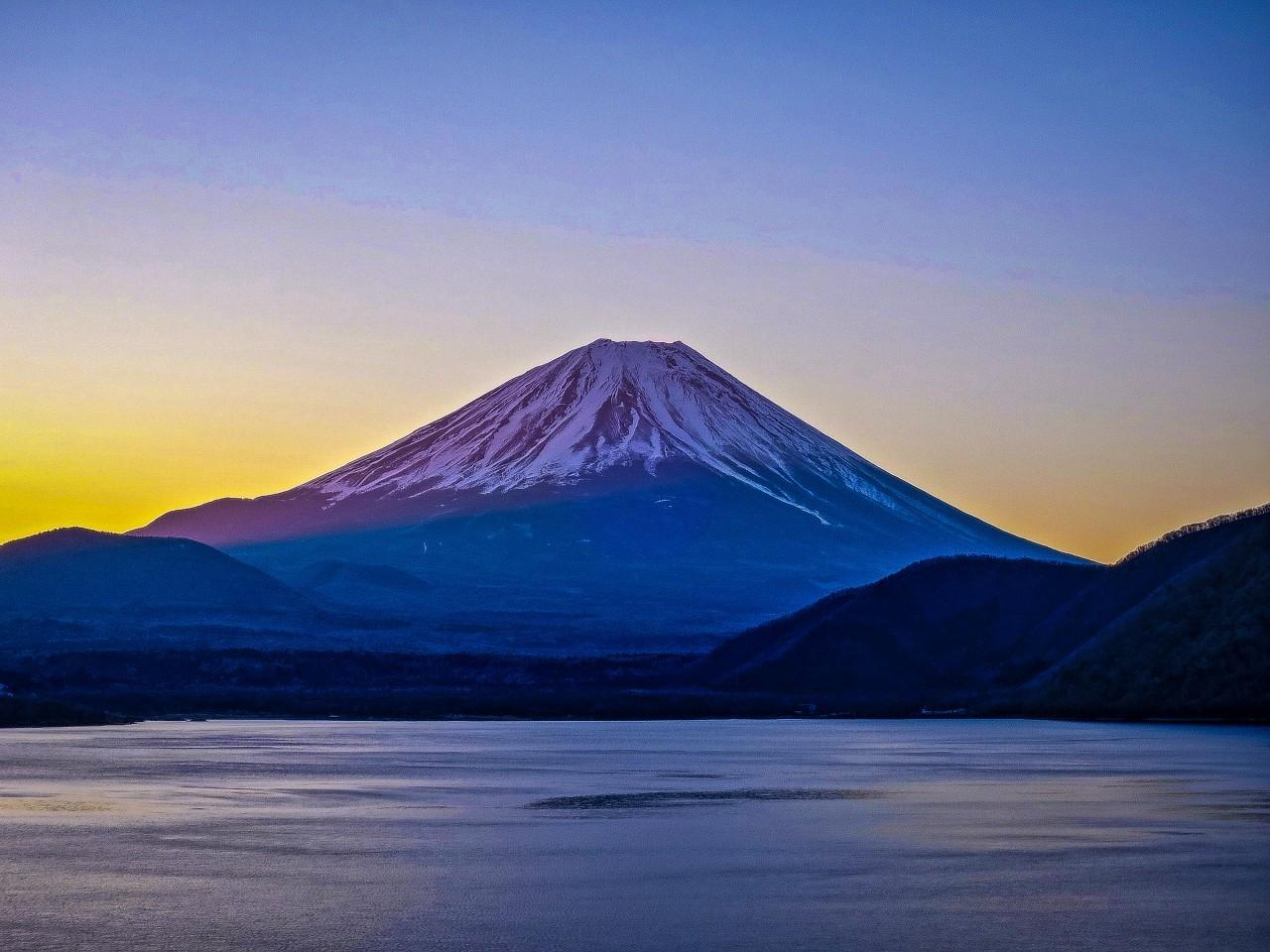 2020.3.6早朝の富士山(本栖湖)_e0321032_15350703.jpg