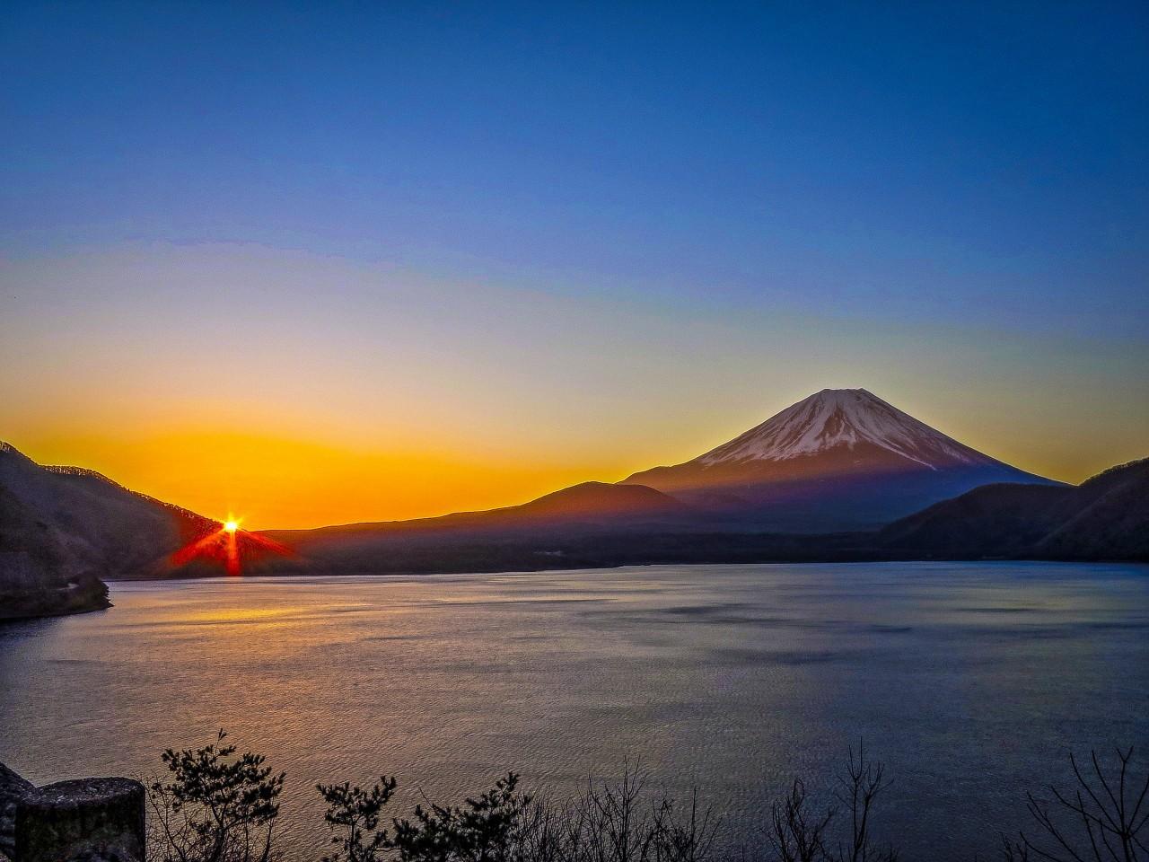 2020.3.6早朝の富士山(本栖湖)_e0321032_15352221.jpg