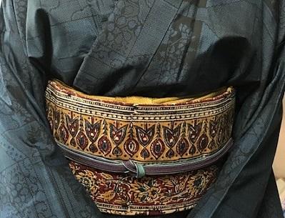 野田淳子さん・総絞りの長羽織・大島紬に更紗の帯。_f0181251_14440286.jpg