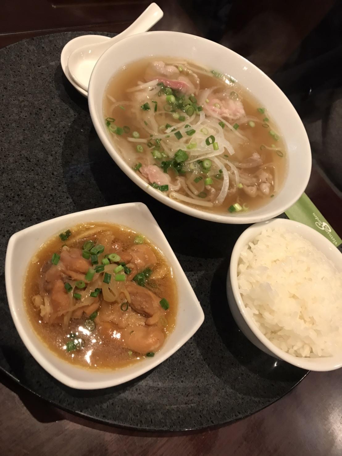 **息子おすすめのベトナム料理♫**_c0216472_10343458.jpg
