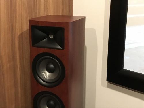 JBL Studio6シリーズを中心としたシアタールーム完成☆_c0113001_23040803.jpg