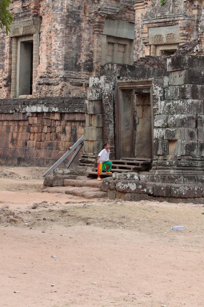 near Prasat But Chum -Siem Reap-2012-_d0011713_15172417.jpg