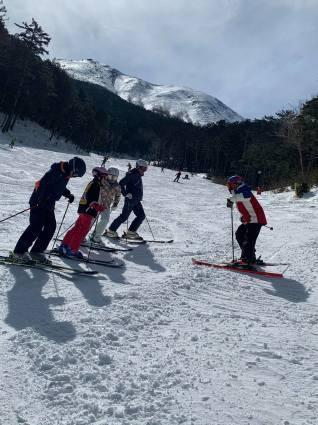 今日のスキー特別レッスンは検定対策!_a0150315_07333878.jpg