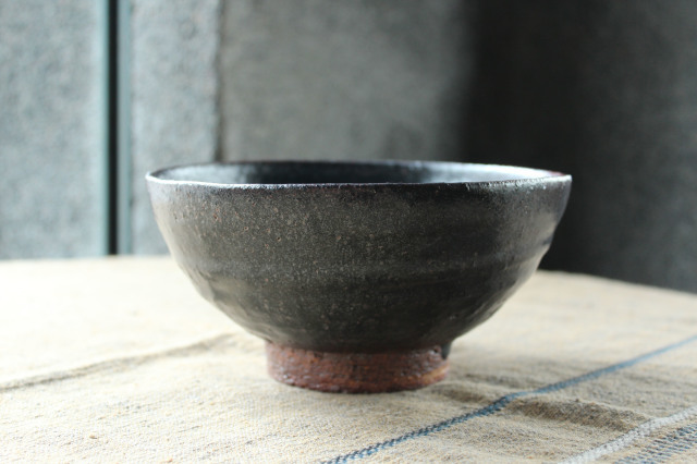 山本源太 黒釉皿と鉢_c0237627_14185571.jpg