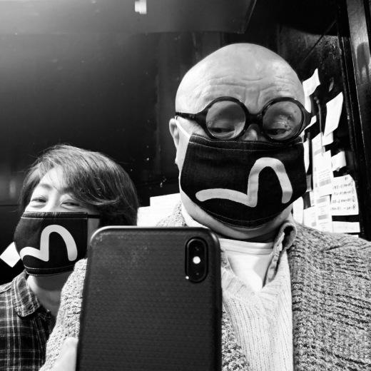 マスク マスクて みるますからす?_a0154045_08114389.jpeg