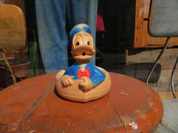 Vintage Donald Duck Soap Dish_e0187362_16490414.jpg