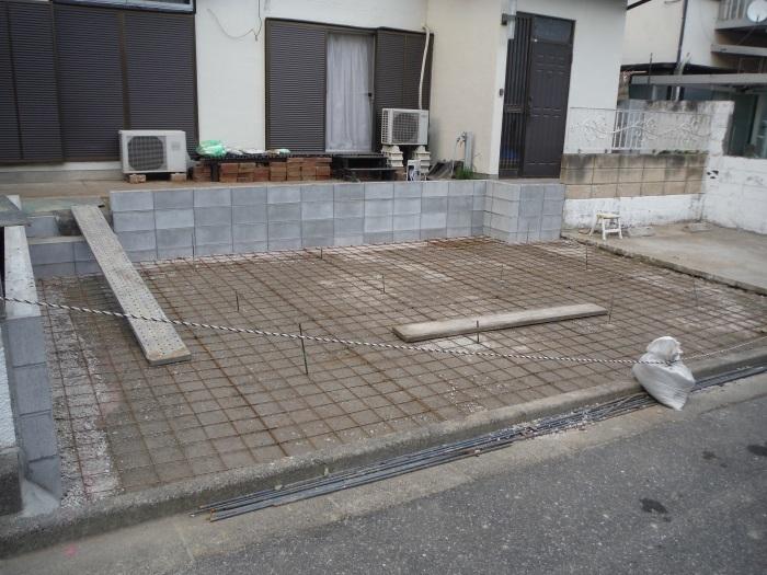 駐車場、屋根、玄関、室内 ~ 駐車場完成です。_d0165368_07312584.jpg