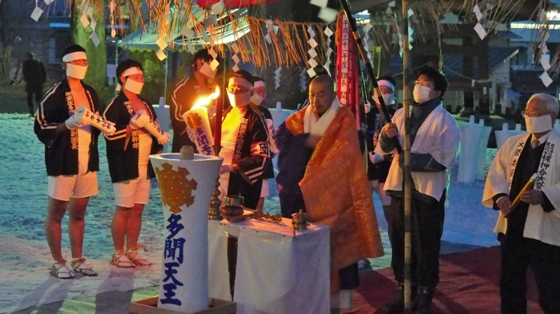 大祭前夜「大ローソク献火式」が行われました_c0336902_21324094.jpg