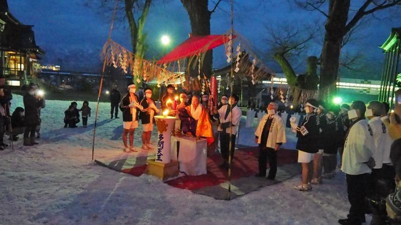 大祭前夜「大ローソク献火式」が行われました_c0336902_21333279.jpg