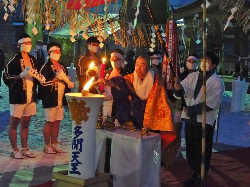 大祭前夜「大ローソク献火式」が行われました_c0336902_21333656.jpg
