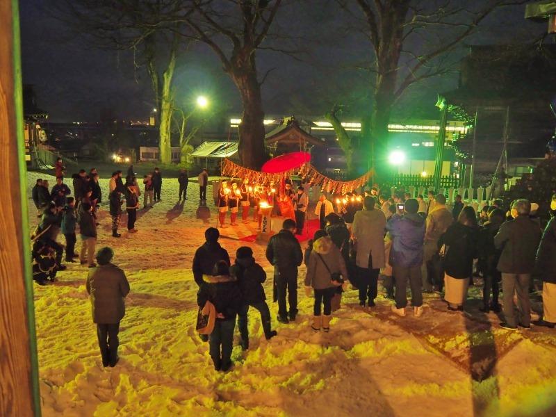 大祭前夜「大ローソク献火式」が行われました_c0336902_21334475.jpg