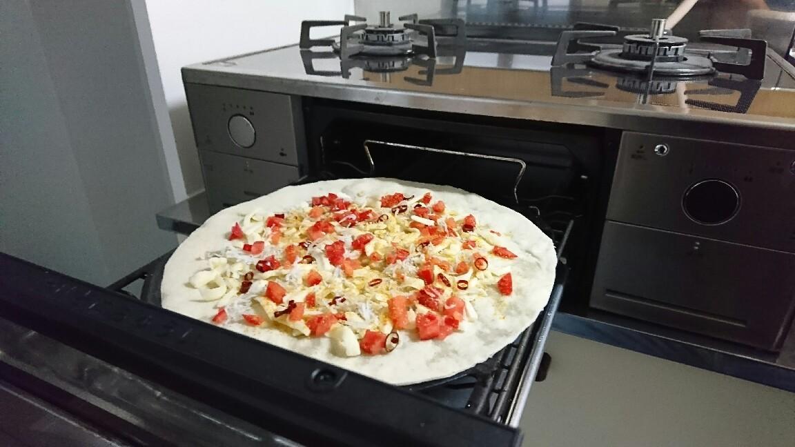 ガスコンロでシラスとボッタルガの簡単ピザ作り_b0221506_18322983.jpg