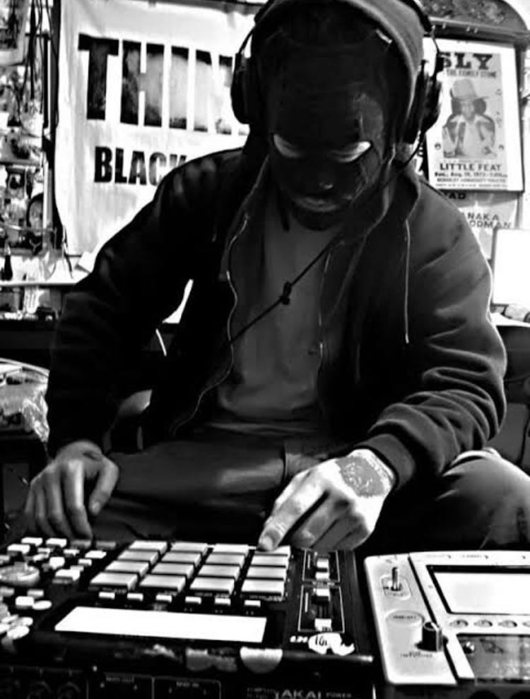 【ONEMAN LIVE SHOW】🏝cro-magnon ワンマンライブ featセッションアーティスト:K-BOMB / BLAHRMY / 2020.4.4.sat_d0106911_19311682.jpg