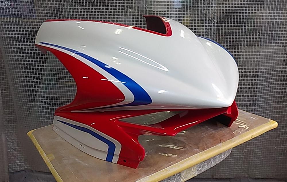 MVアグスタのカウル類の塗装終了。MV Agusta F3 RCだよ。その2。_d0130115_18170233.jpg