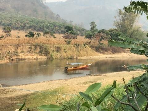 北タイのスモッグの季節を探る_d0159325_12094698.jpg
