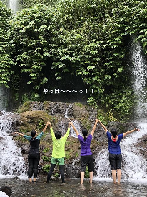 まるで水のカーテン ブナンクランブの滝へ!_a0310535_22482421.jpg