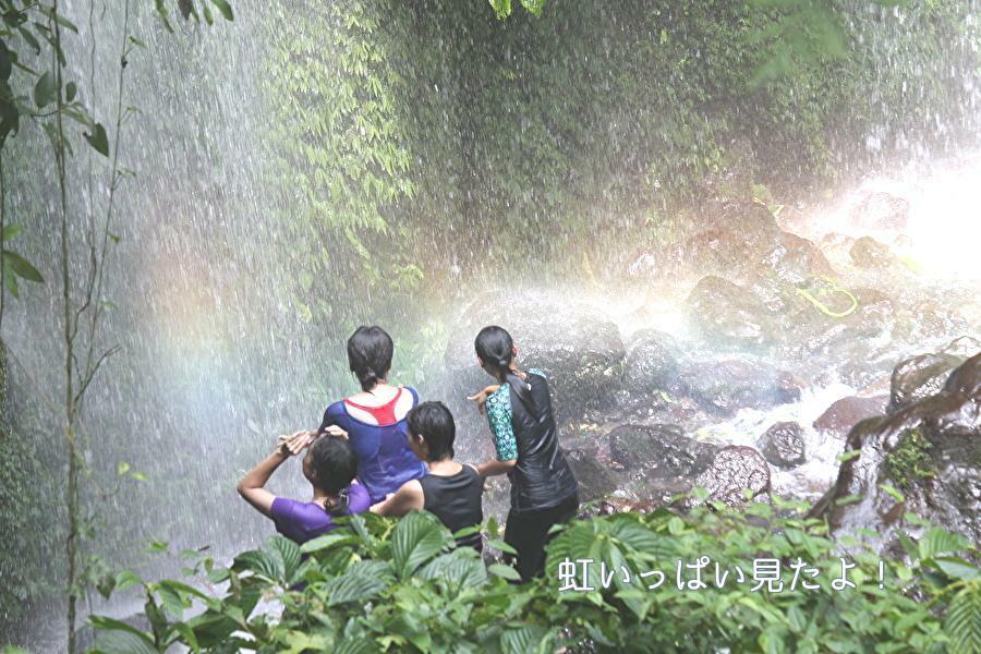 まるで水のカーテン ブナンクランブの滝へ!_a0310535_22483010.jpg