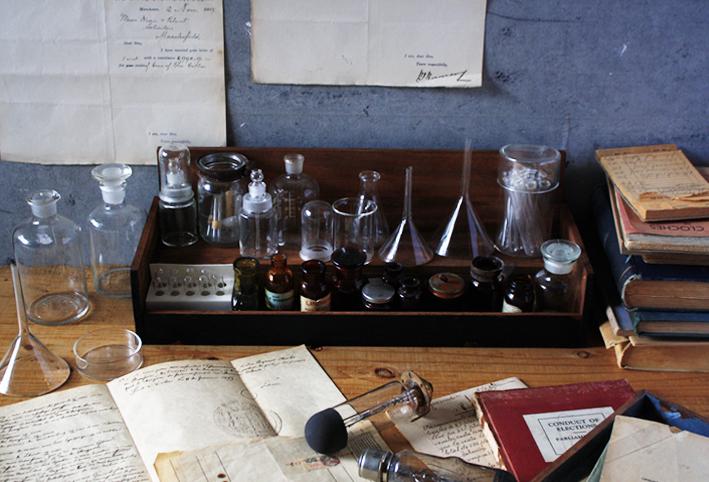 「実験器具」と「セリアDIY」でトキメク♡インテリア_d0351435_08370777.jpg