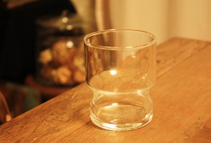 無印良品のスタックグラスで「ゴリラごっこ」_d0351435_09404054.jpg