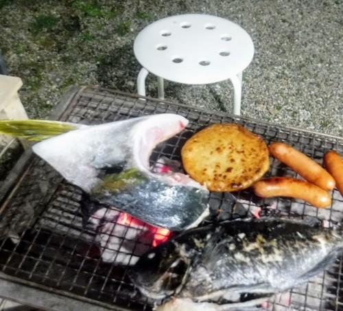 窯焚き終わって炭火焼き_d0195183_01043446.jpg