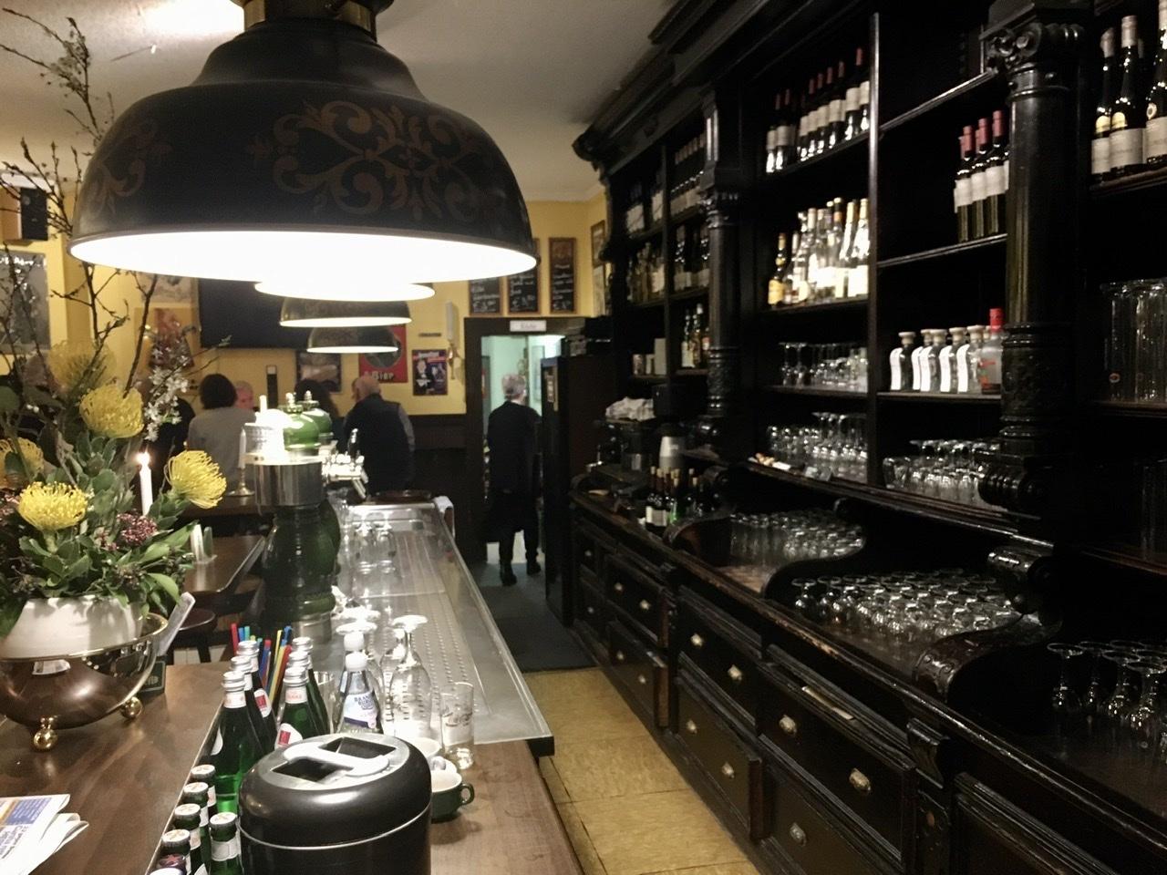 西ベルリンの良い店で。_c0180686_16475606.jpeg