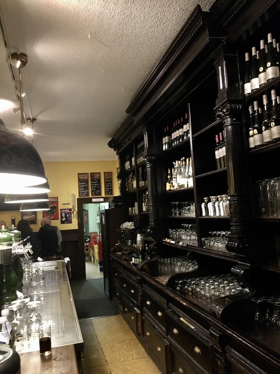 西ベルリンの良い店で。_c0180686_16484866.jpeg