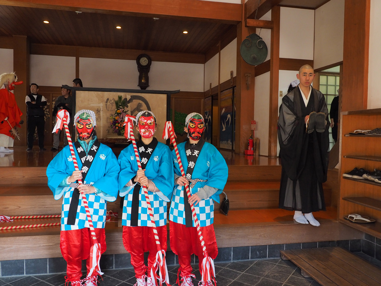 興国寺の天狗祭り  由良町_e0254493_2258838.jpg