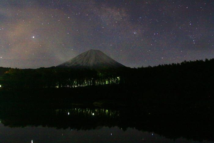 令和2年3月の富士 (1) 精進湖の夜の富士_e0344396_23534332.jpg