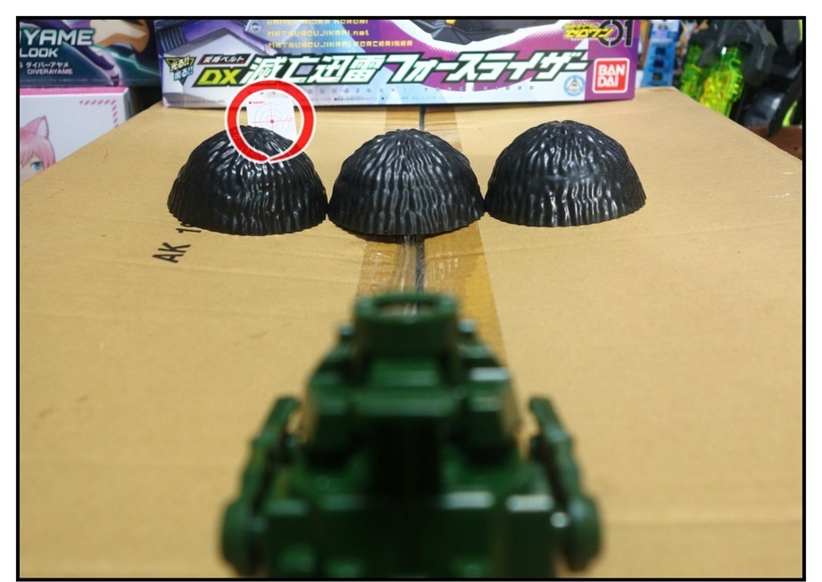 ペットボトルのキャップ砲で大人が遊ぶ_f0205396_13361818.jpg