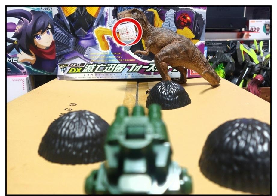 ペットボトルのキャップ砲で大人が遊ぶ_f0205396_13442715.jpg