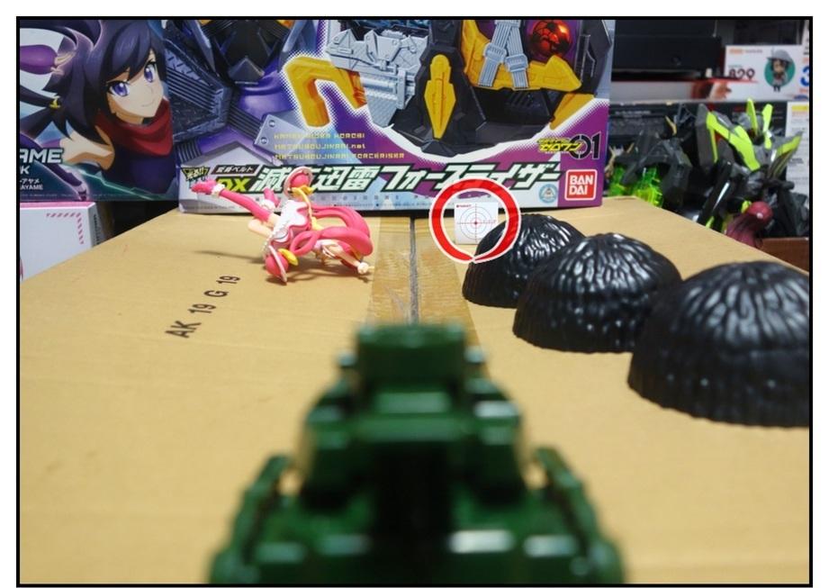 ペットボトルのキャップ砲で大人が遊ぶ_f0205396_13510230.jpg