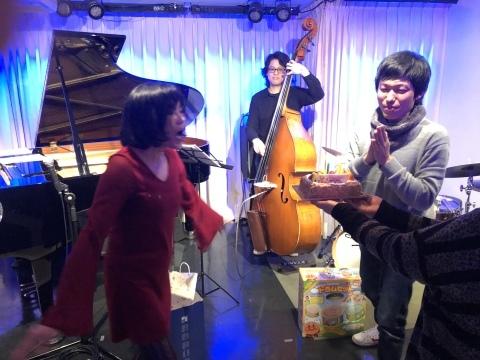 広島 ジャズライブカミン  Jazzlive Comin明日11日水曜日のジャズ来_b0115606_09540738.jpeg