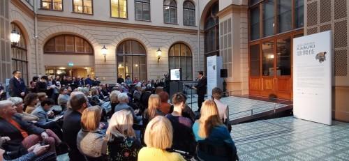 ラトビア共和国美術館で開催日本展の写真が届く_b0115553_00121290.jpg