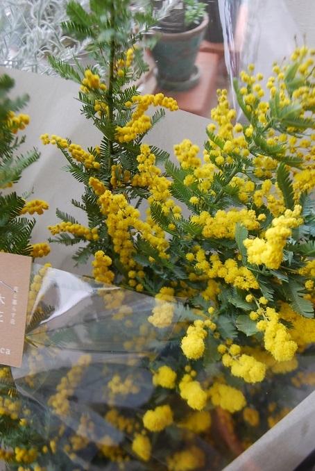 花束のご注文承ります。_a0201358_18213028.jpg