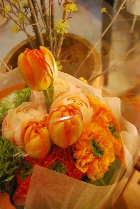 花束のご注文承ります。_a0201358_18301990.jpg