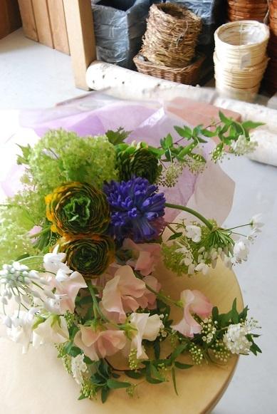 花束のご注文承ります。_a0201358_18315608.jpg