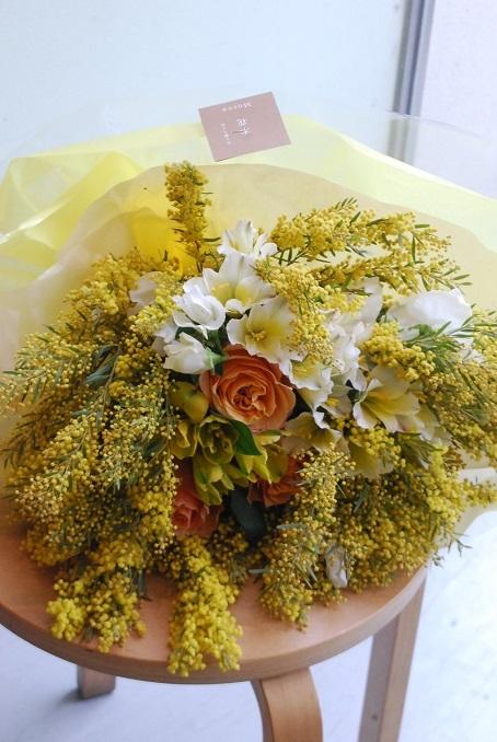 花束のご注文承ります。_a0201358_18321772.jpg