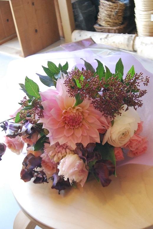 花束のご注文承ります。_a0201358_18325313.jpg