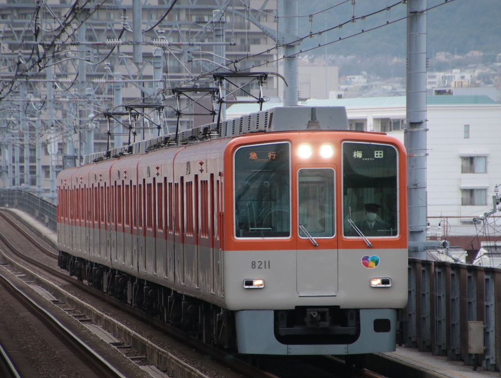 阪神8000系 今津駅にて_d0202264_334208.jpg