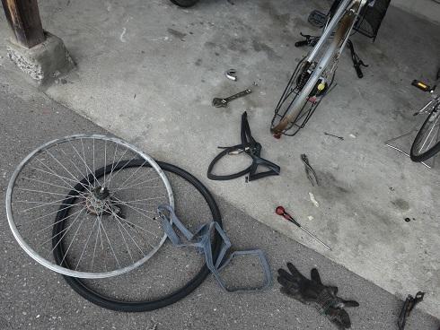 楽しく自転車チューブ交換_a0064474_17091788.jpg