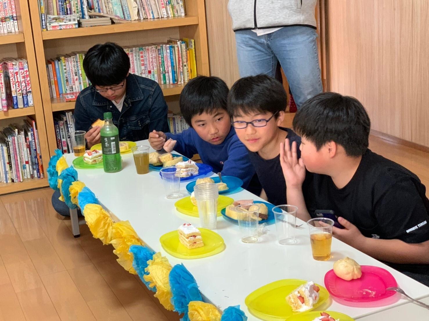 2020、6年生の卒業を祝う会~_e0131910_23441875.jpg
