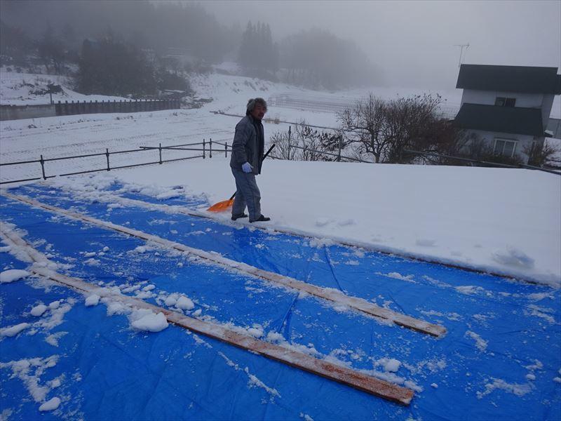田沢湖の家 現地での建て方作業進行中!_f0105112_04445843.jpg