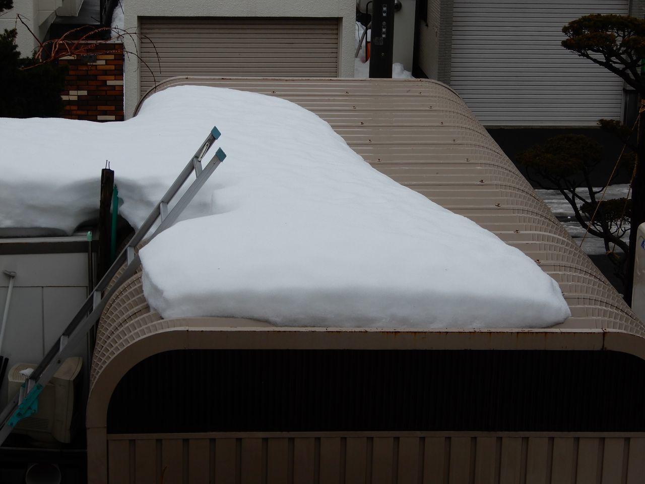 札幌の公式積雪深はあまり減りませんが東区は激減り_c0025115_21382763.jpg