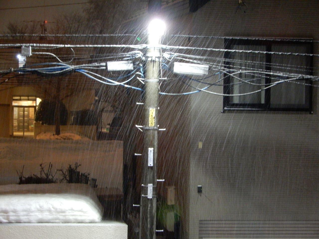 札幌の公式積雪深はあまり減りませんが東区は激減り_c0025115_21435507.jpg