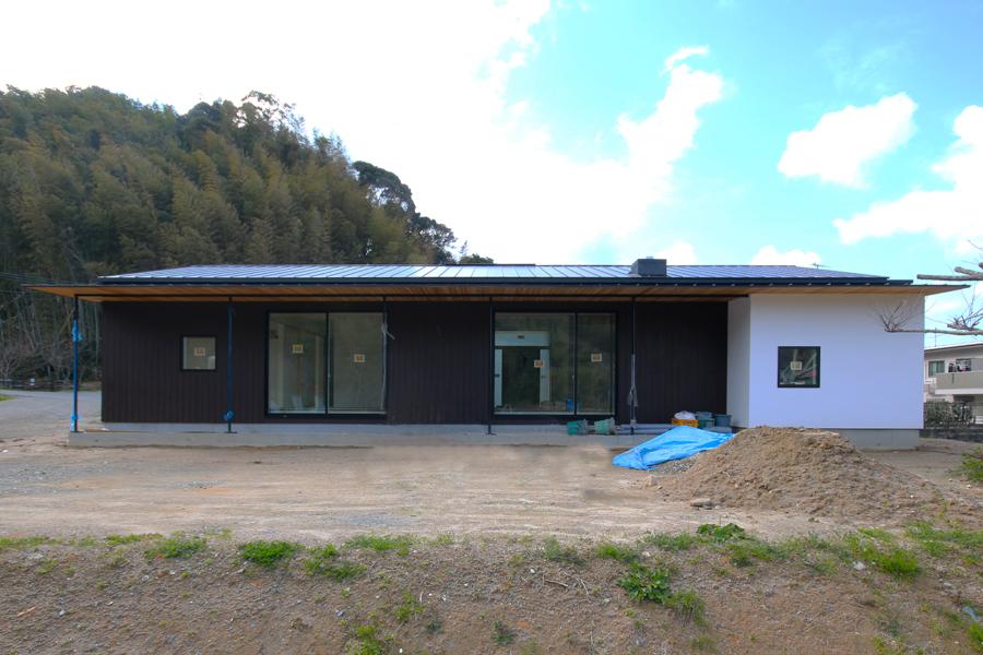 ただ今進行中「糸島の家」の完成が近づきました!_e0029115_19464156.jpg