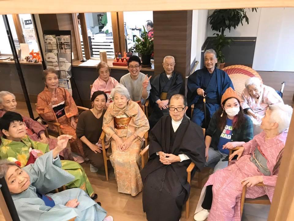 介護施設でひな祭りイベントヘアメイク☆訪問美容髪んぐ_f0277245_16142434.jpg
