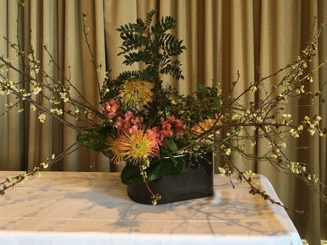 生け花の昼食会に行く_e0350971_14190462.jpg